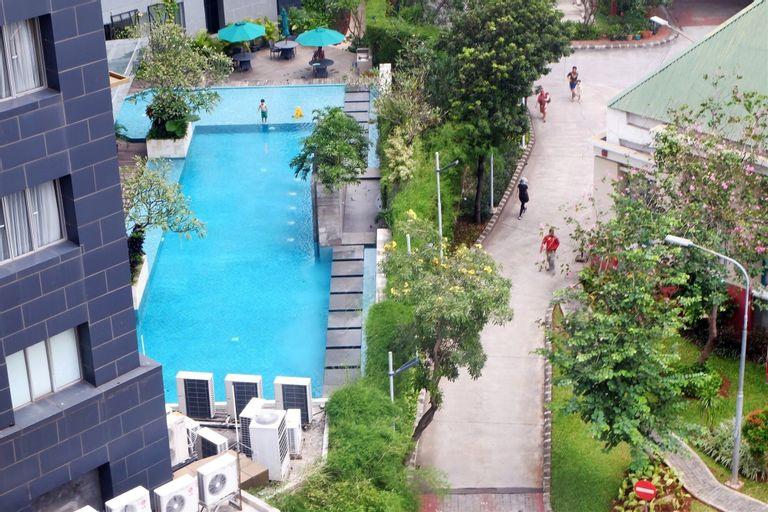 Homey Paladian Park Apartment Near MOI Kelapa Gading, North Jakarta