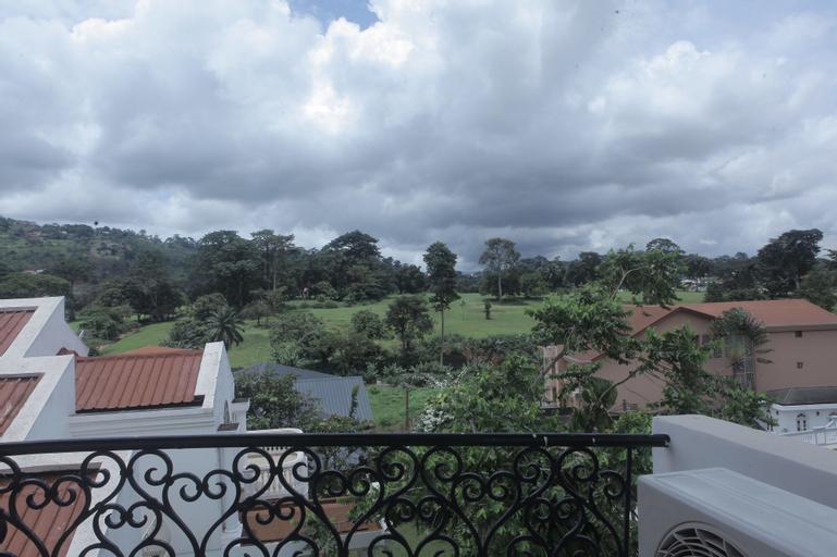 Les Flamants Rose - Gulfview, Mfoundi