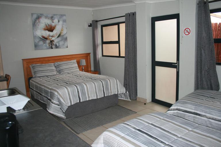 Die Suidooster Gastehuis, Fezile Dabi