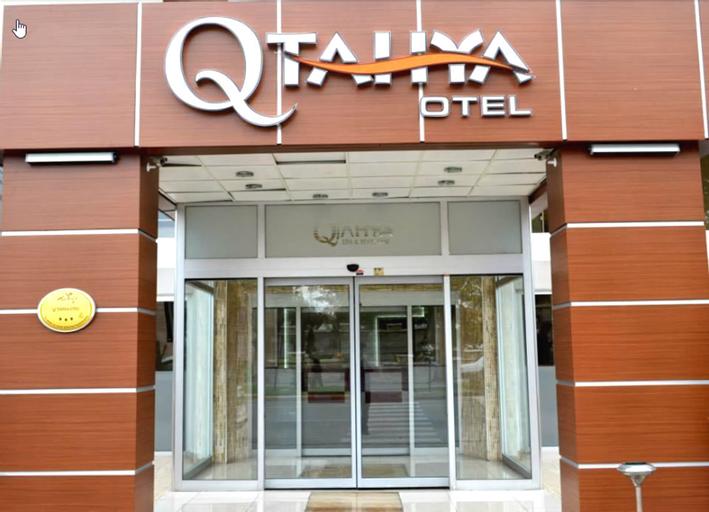 Qtahya Hotel, Merkez