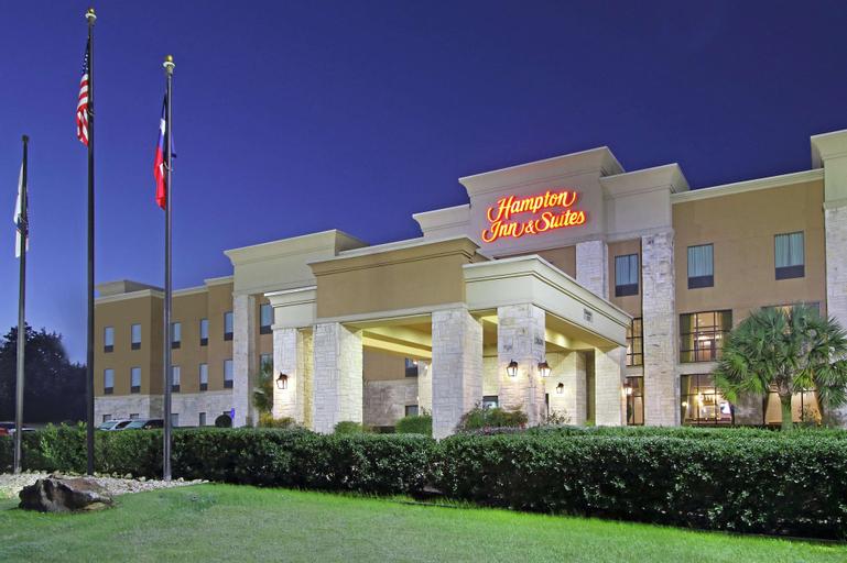 Hampton Inn & Suites Buffalo, Leon