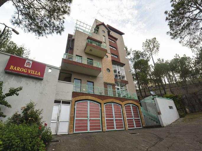 OYO 15946 Hotel Barog Villa, Solan