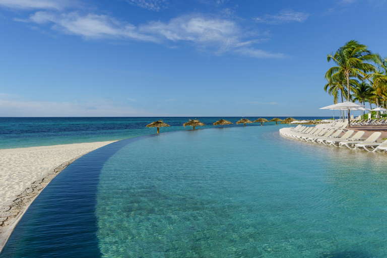 Lighthouse Pointe at Grand Lucayan – All-Inclusive,