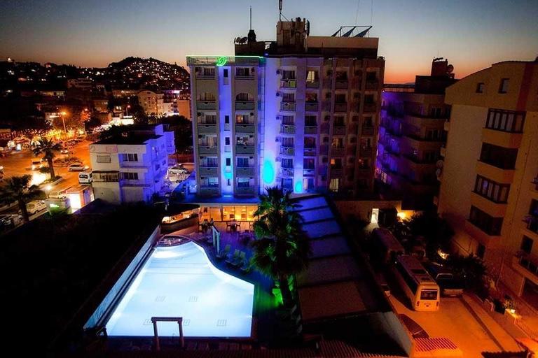 Dabaklar Hotel, Kuşadası