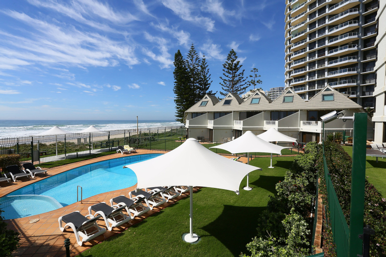 The Breakers, Surfers Paradise