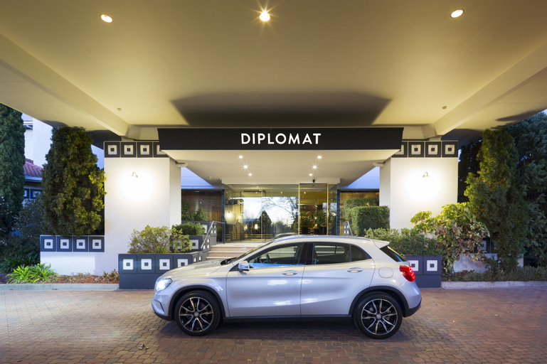 Diplomat Hotel Canberra, Griffith