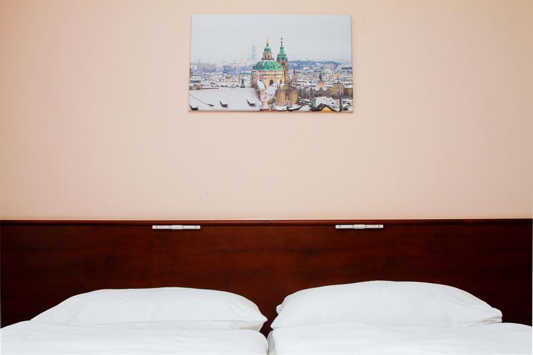 Hotel Inturprag, Praha 9