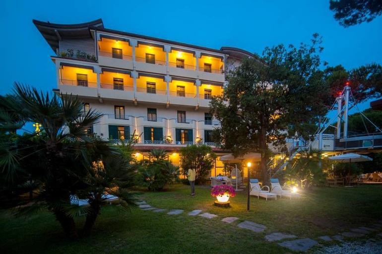 Hotel Acapulco, Lucca