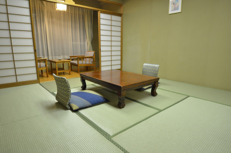 SHIN KABAKAWA KANKO HOTEL, Takamatsu