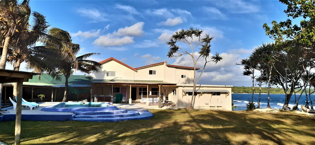 BLUEPANGO GUEST HOUSE - Hostel, Pango
