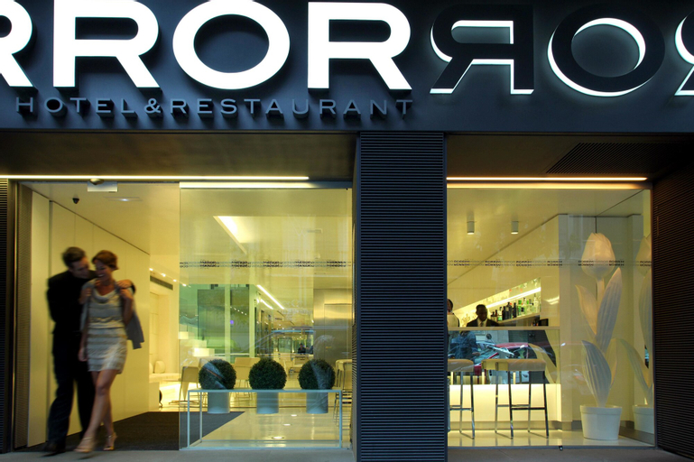 The Mirror Barcelona, Barcelona