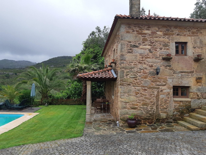 House With 2 Bedrooms in Caminha, With Wonderful Mountain View, Privat, Caminha