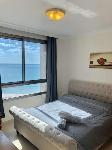 Spacious Sea View Apartment,