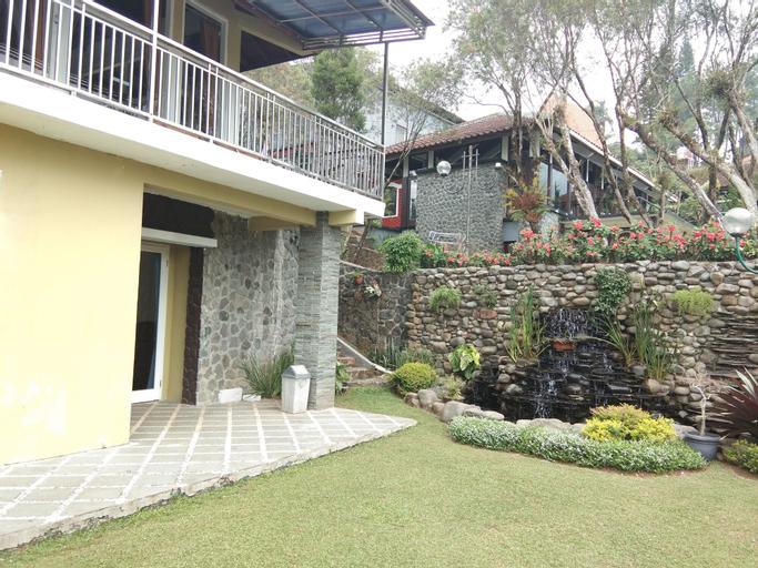 Villa Danau 5 Bedroom for 50 pax, Cianjur