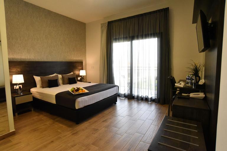 Rise Hotel,
