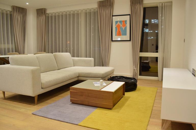2 Bedroom Flat in Park Royal, London