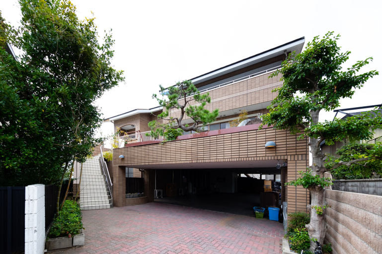 YOLEE GUEST HOUSE, Izumisano