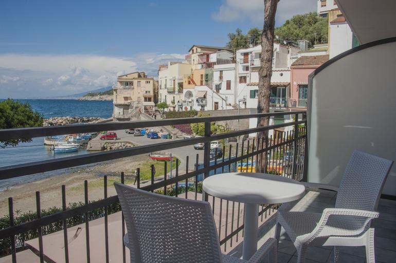 Sea Breeze Residence, Napoli