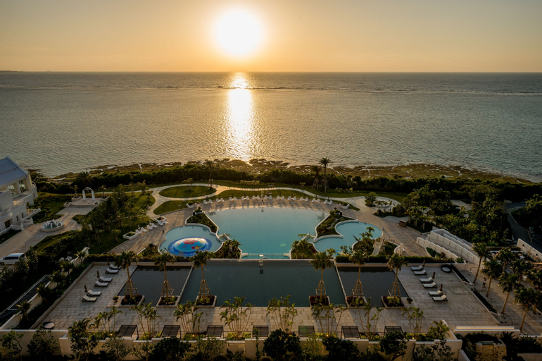 Hotel Monterey Okinawa Spa & Resort, Onna