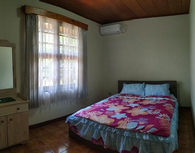Villa Bumblebee 2 – Little Venice Puncak, Bogor
