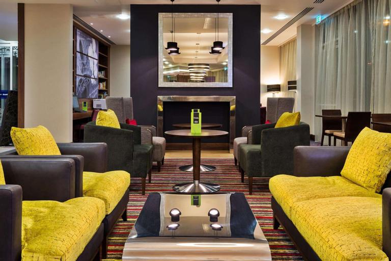 Hampton by Hilton London Luton Airport Hotel, Luton