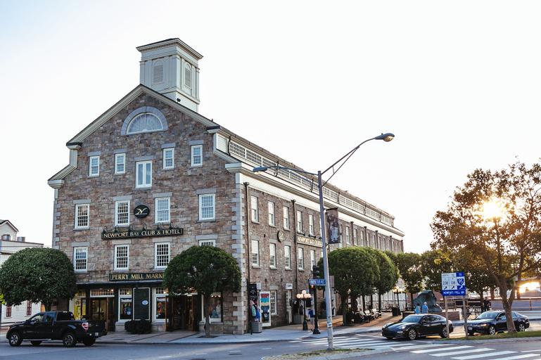 Newport Bay Club and Hotel, Newport