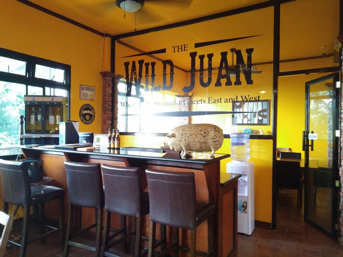 The Wild Juan Bed And Breakfast, Alfonso