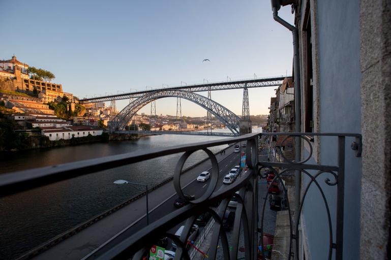 Ribeira flats mygod, Porto