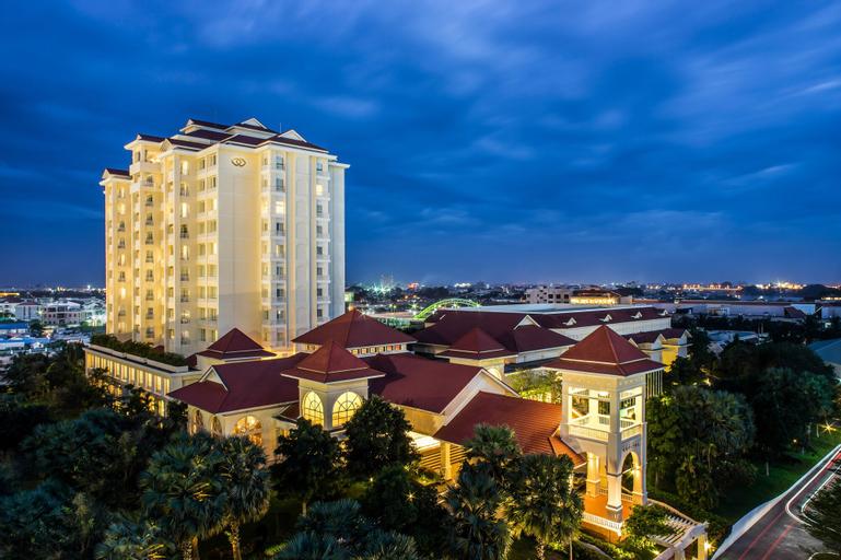 Sofitel Phnom Penh Phokeethra Hotel, Mean Chey