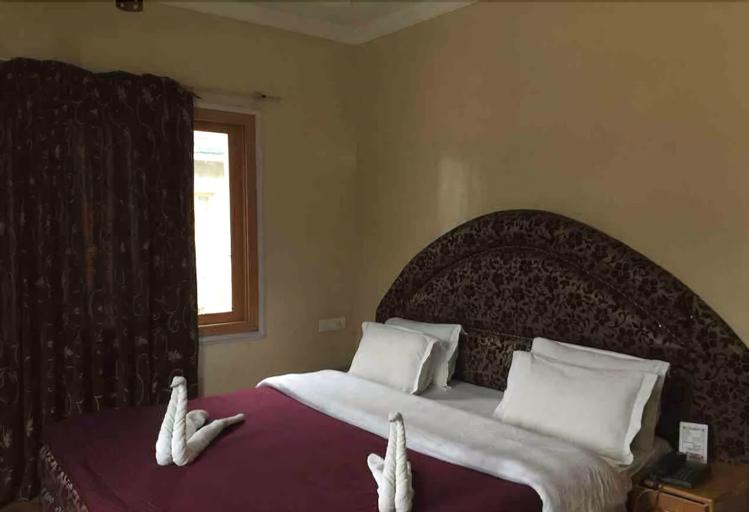 Hotel Abshar, Anantnag
