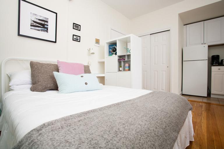 Modern Back Bay Suites by Sonder, Suffolk