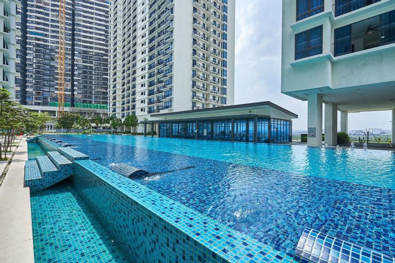 OYO Home 44002 Classic 2br Setia Alam Trefoil., Kuala Lumpur