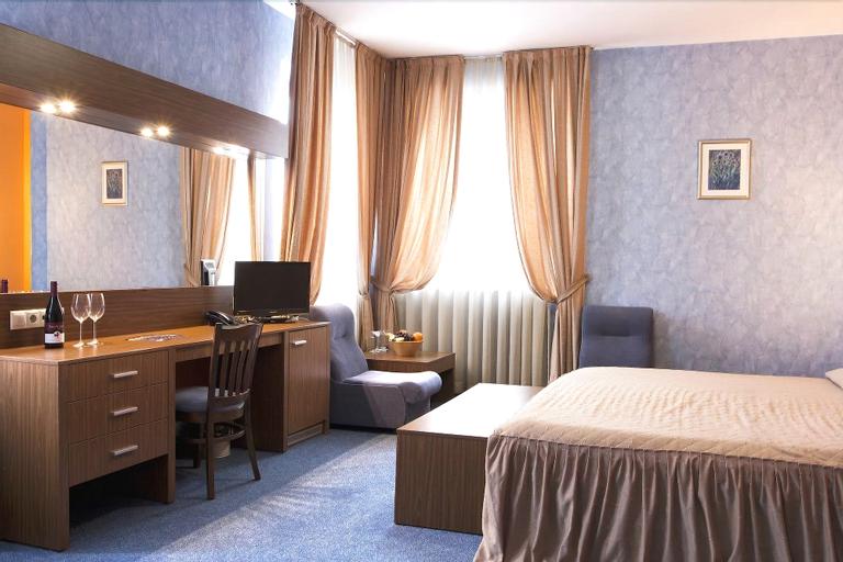 DITER Hotel, Stolichna