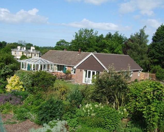 Courtlands Nurseries Bed and Breakfast, East Sussex
