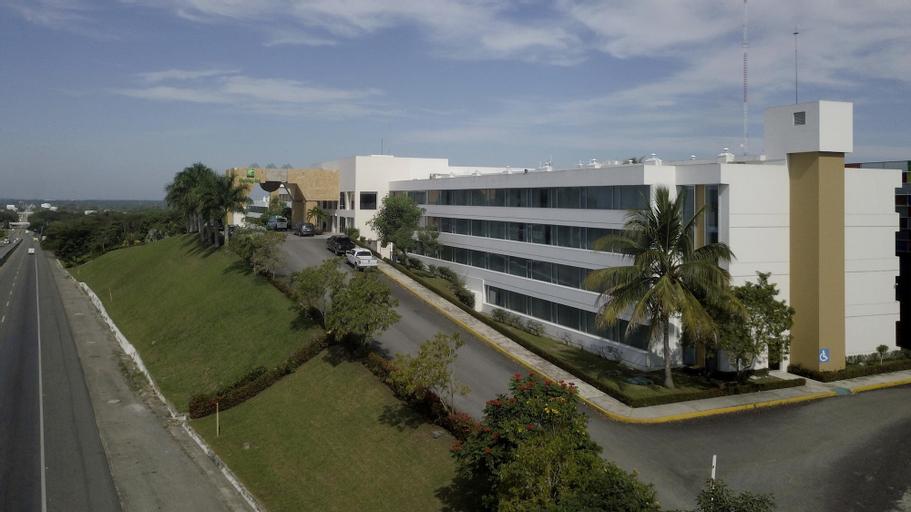 Holiday Inn Villahermosa Aeropuerto, Centro