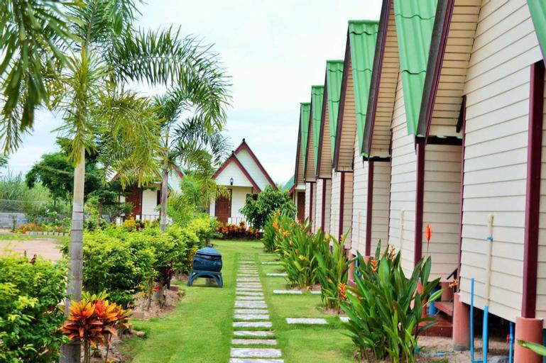 Kiangtan Houses, Pluak Daeng