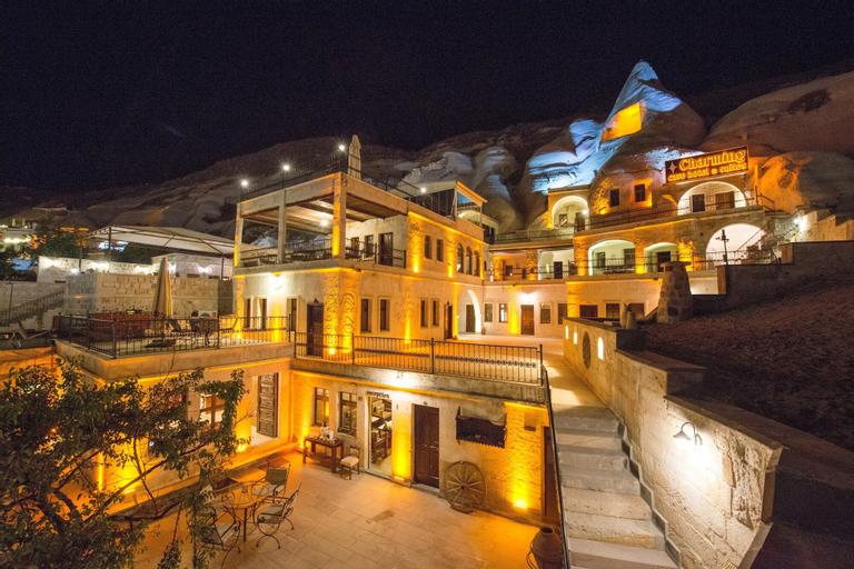 Charming Cave Hotel, Merkez
