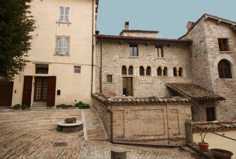 Al Vescovado 7, Perugia