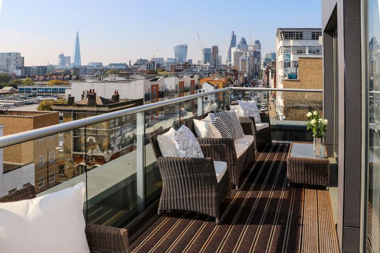 City Courtyard Apartments & Penthouse, London