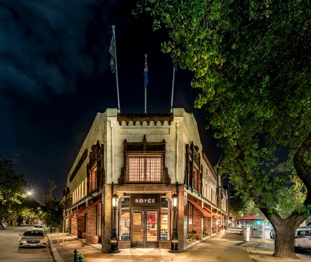 Royce Hotel, Port Phillip - West