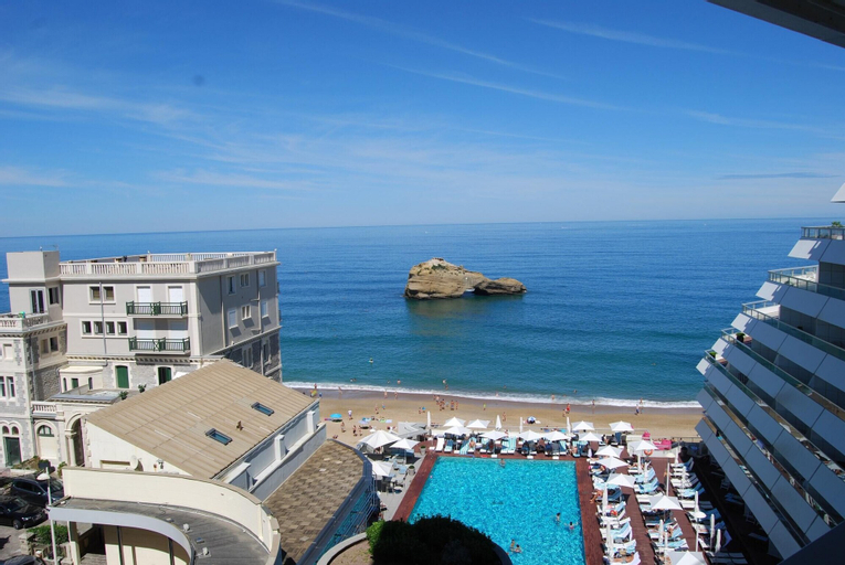 Studio in Biarritz, With Wonderful sea View, Furnished Terrace and Wifi - 20 m From the Beach, Pyrénées-Atlantiques