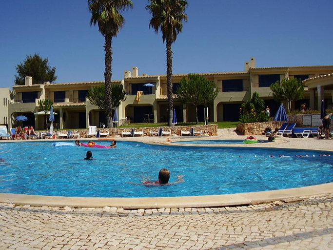 House With one Bedroom in Alvor, With Pool Access, Furnished Terrace a, Portimão