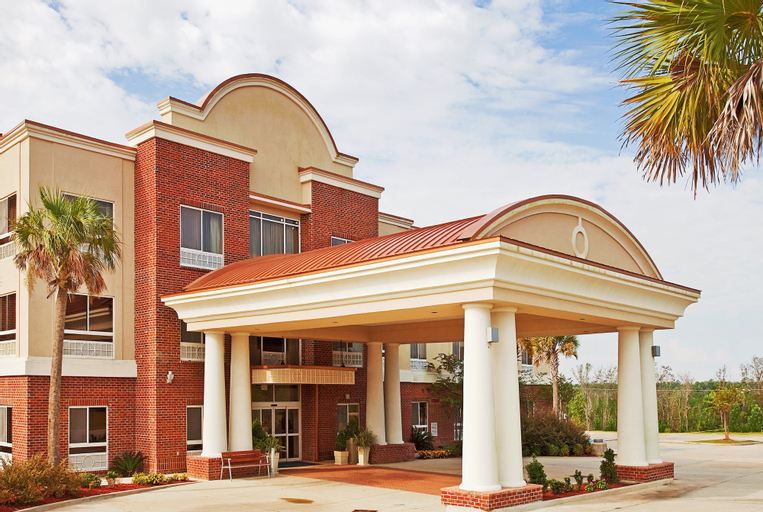 Holiday Inn Express Hotel & Suites Lucedale (Pet-friendly), George