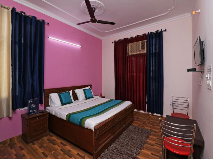 OYO 13195 The Abodes Guest house, Gautam Buddha Nagar