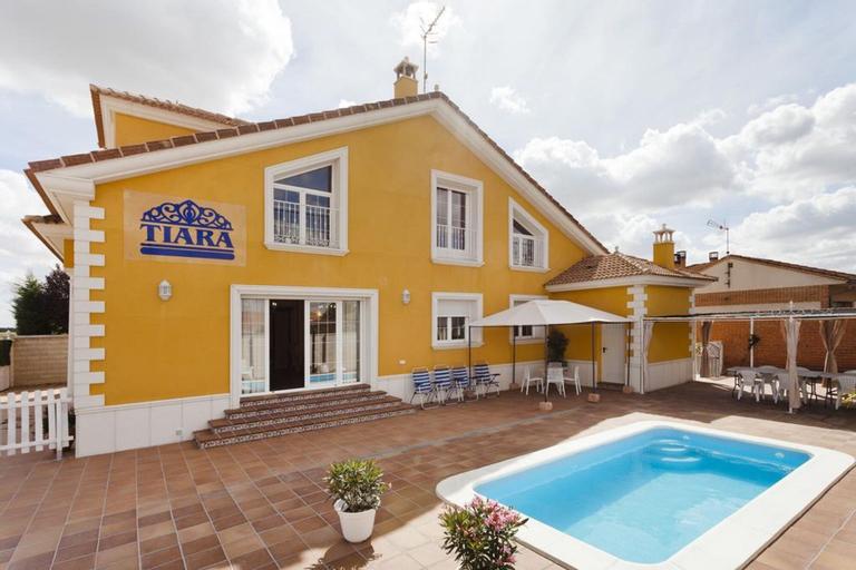 House With 6 Rooms in Nava de la Asunción, With Private Pool, Terrace,, Segovia