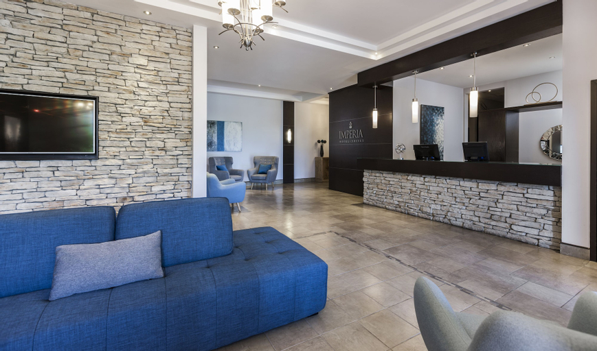 Imperia Hotel and Suites, Deux-Montagnes