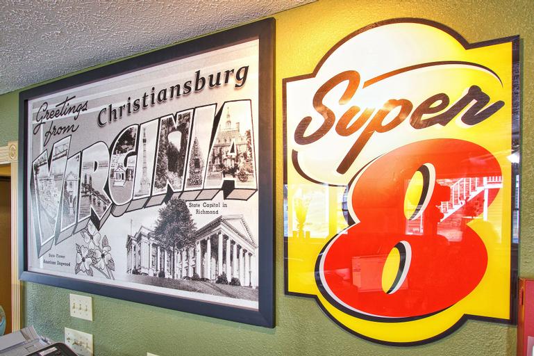 Super 8 By Wyndham Christiansburg, Montgomery
