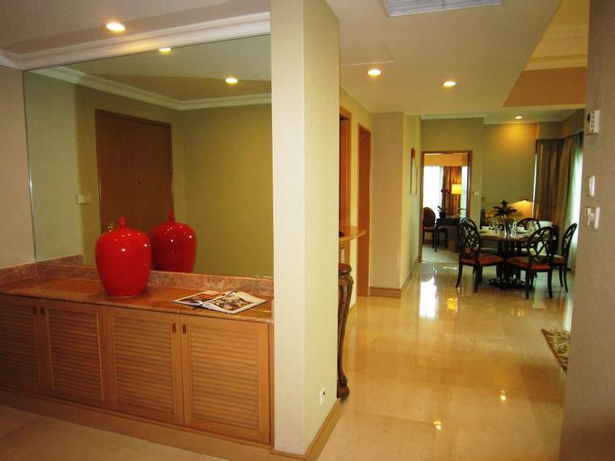 Shangri-La Apartments, Orchard