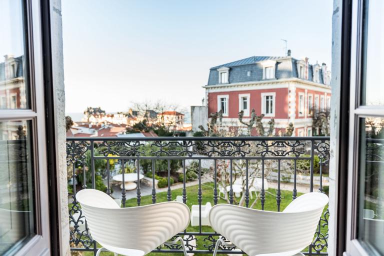 Hotel de Silhouette, Pyrénées-Atlantiques