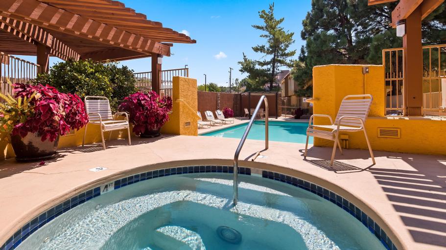 Best Western Airport Albuquerque InnSuites Hotel & Suites, Bernalillo